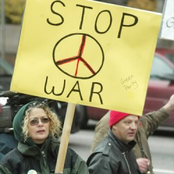 anti-war-protest-reagan-report
